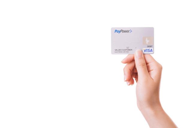 使えなくなると不便なクレジットカード~スマートフォンについても注意が必要~